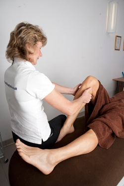 Helping runner recovery with sports massage in Carshalton runners' clinic